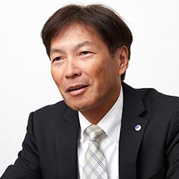 大阪本社 開発部 部長 朝倉 氏